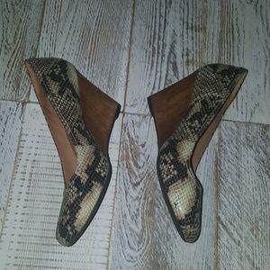 Clarks Snakeskin Design Wedges  Size 8.5 NWOT